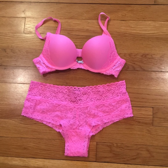 e523e22607 Victoria Secret Neon Pink Bra   Panty Set. M 5a9186f6daa8f660ee33df67